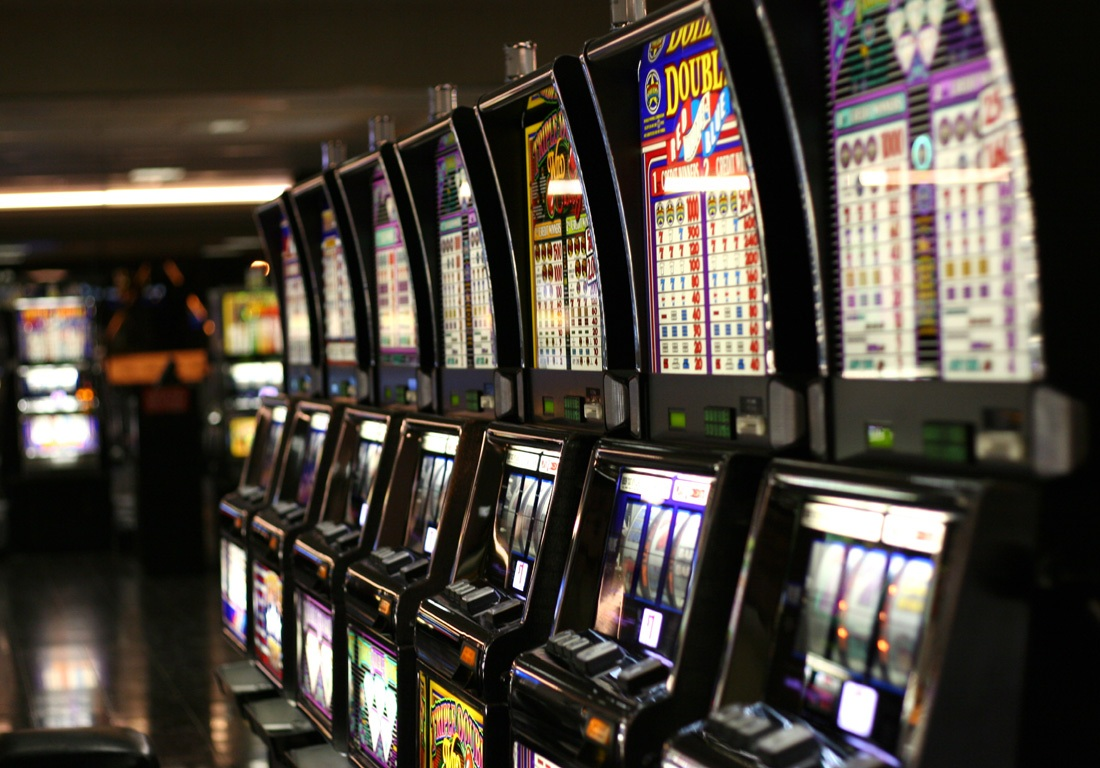 How to Win the Slot Machine Games and More Money?