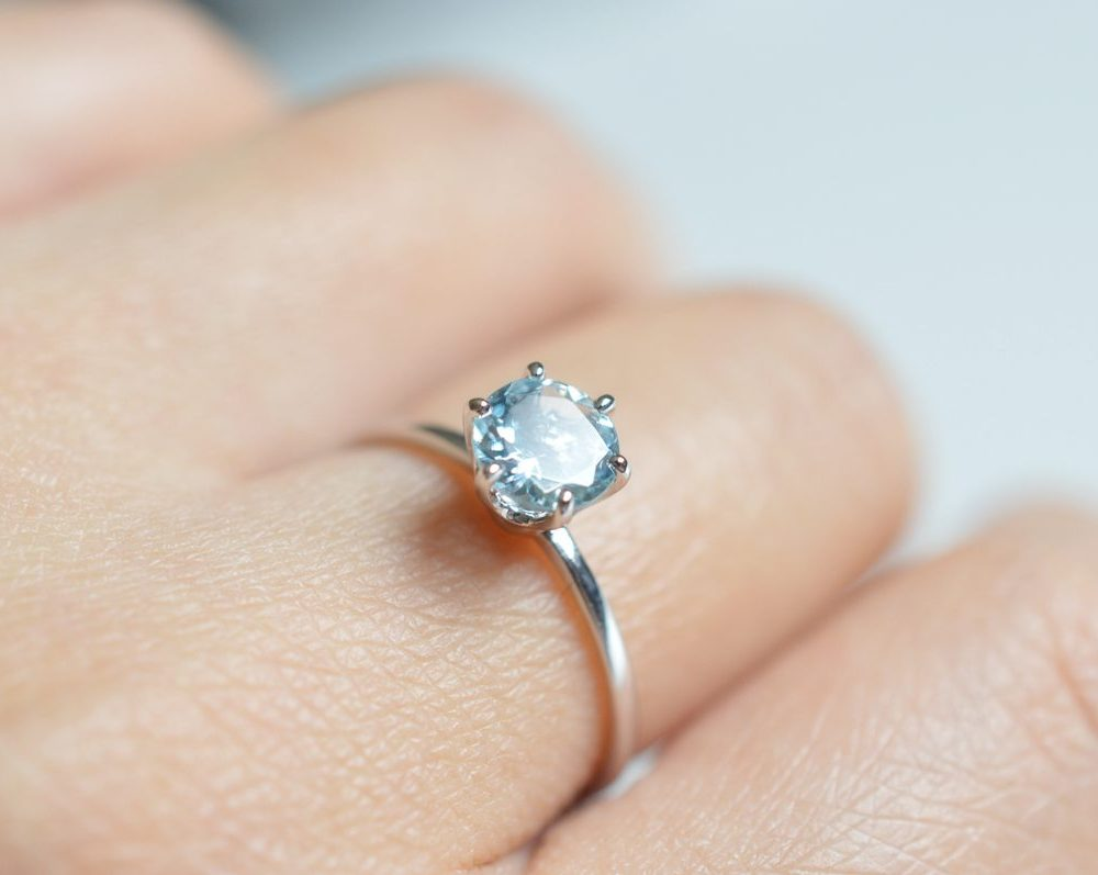 Aquamarine Rings – Checking Out The Cost Based On Colors