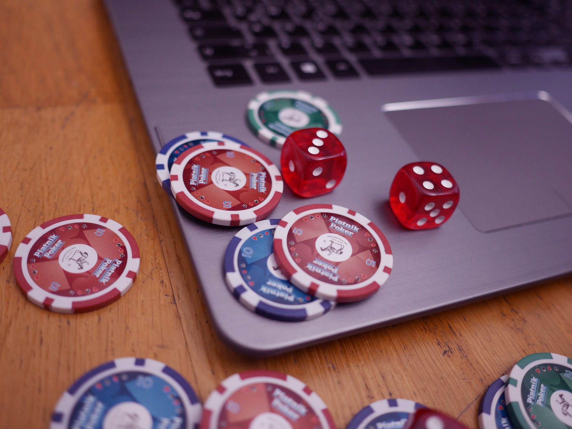Online Gambling – Main 4 Advantages To Know!