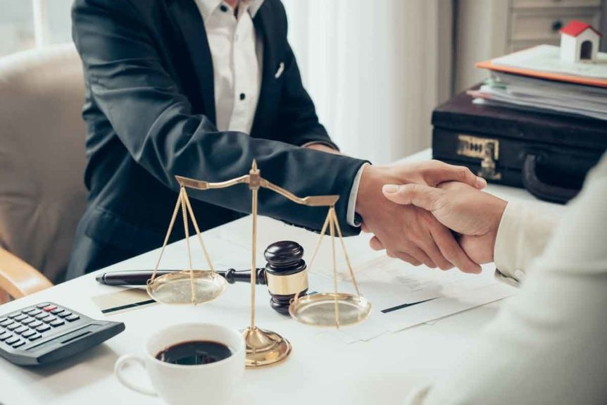 Tips to follow for saving money while taking services of injury lawyers!!