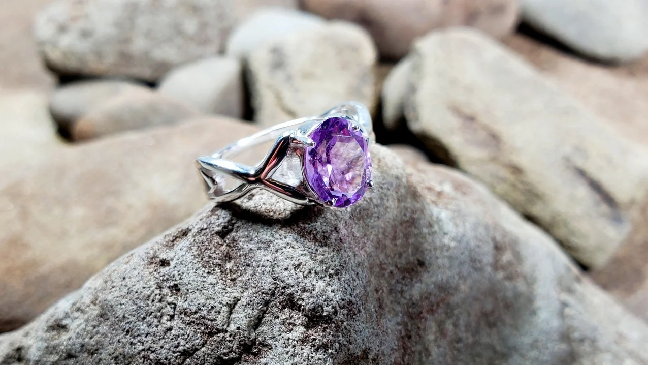 Can a Sterling Silver Amethyst Ring Help Your Mental Health?
